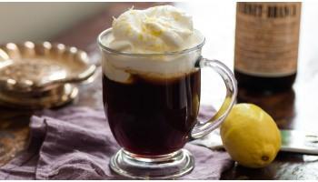Кофе с алкоголем — отличный дуэт или опасная смесь?